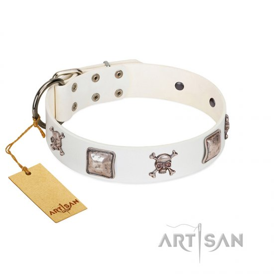 """Pirate Sloop"" Handmade FDT Artisan Designer White Leather Boxer Collar with Crossbones"