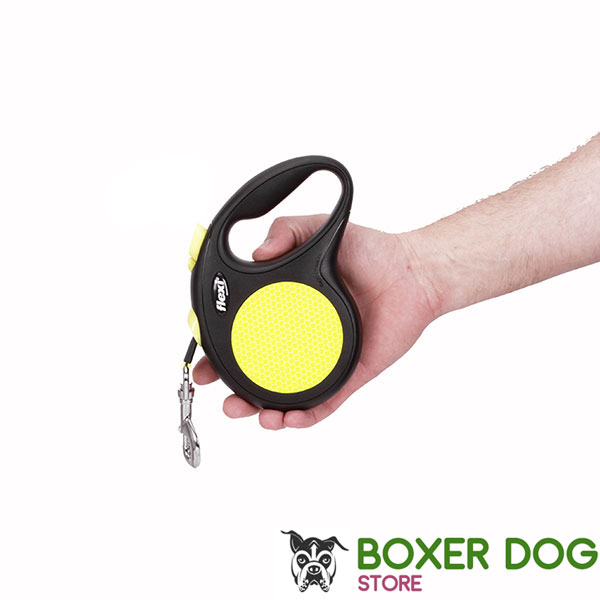 Everyday Retractable Leash Neon Design for Total Comfort